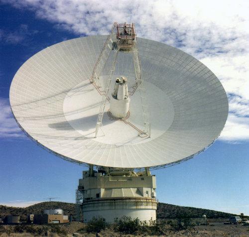 i-8ad32bf0d212d26d58b3245297b2e5c4-70_m_Antenna_in_Goldstone-thumb-500x477.jpg