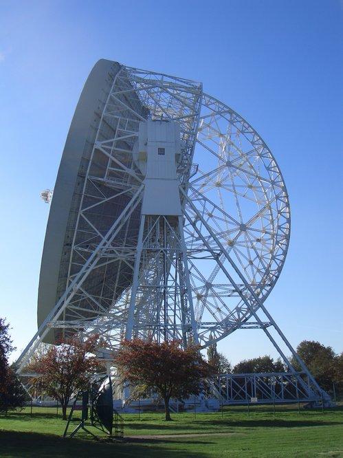 i-9ce624e8def29968184490d4e256541d-Lovell_Telescope_1-thumb-500x666.jpg