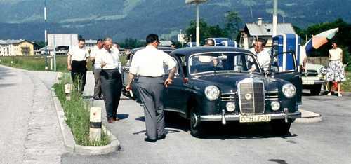 i-9d89ab8d5163a29c878ea0eb1661fb36-Merecedes_Tankstelle_1961-thumb-500x234.jpg