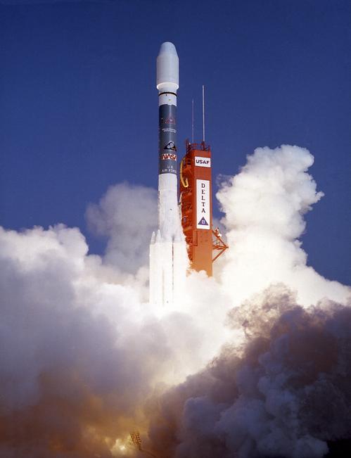 i-ac5ecad534f20a70cf36040fc6a3f39c-Delta_6920-10_launch_with_ROSAT-thumb-500x651.jpg
