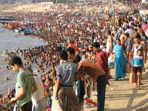 i-ca9e2117ab08974d69dd74e359f9cdc0-22Jul09_eclipse_Varanasi-thumb-500x375.jpg