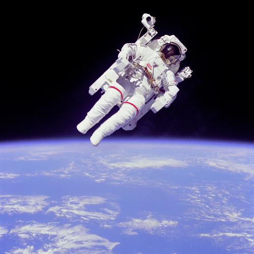 i-e457f7cbb9938887799f039830cfc1f5-Astronaut-EVA-thumb-500x500.jpg