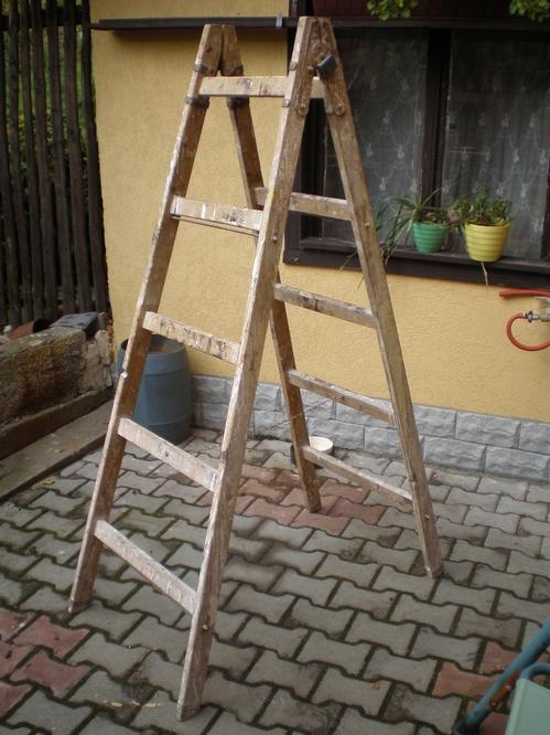 i-e57d5d626b526dea339e78554de42d07-Step-ladder-thumb-500x666.jpg