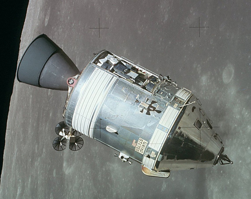 i-efd9c44660167c40be0d18d9384e4236-Apollo_CSM_lunar_orbit-thumb-500x396.jpg