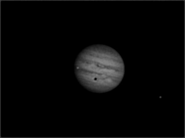 Jupiter mit zwei Monden