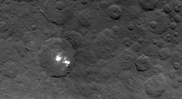 (c) NASA, 2015
