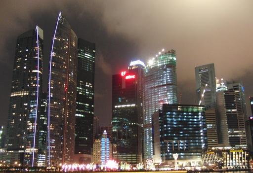 i-07812e0c056a2324d6045754c1b1eb8b-Lichtsmog-in-Singapur-thumb-512x351.jpg
