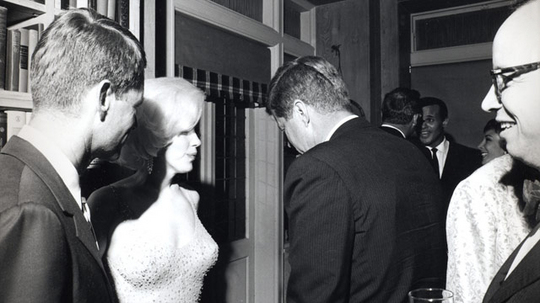 i-5df1e8271db86b5c5e0375c967500235-JFK_and_Marilyn_Monroe_1962-thumb-540x303.jpg