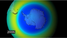 i-cd2052a087d6569c1b76fec682a8e4d5-Ozonloch2006.jpg