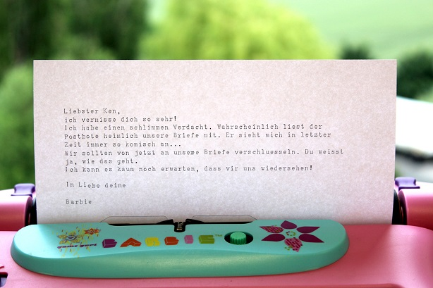 Barbie-Typewriter-Writing