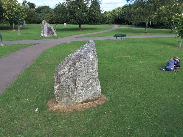 040-Cheltenham-Listening-Stones