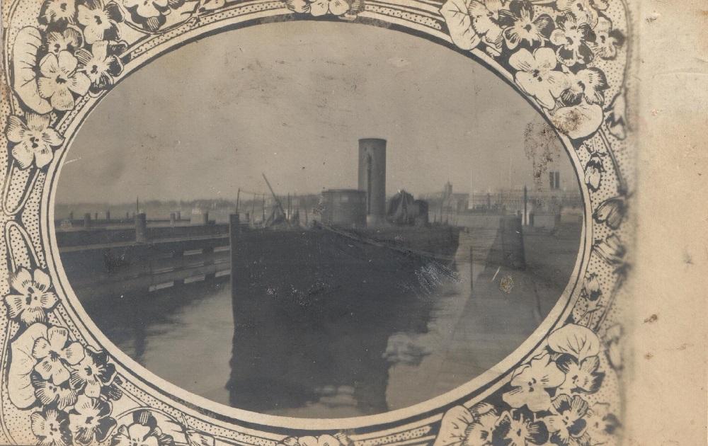 Postcard-Newport-pic