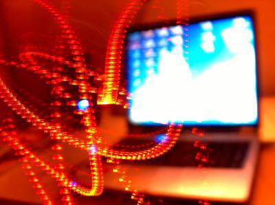 i-55f087bdc1f8a3fe41fc4a36f93c98d9-laptop.jpg