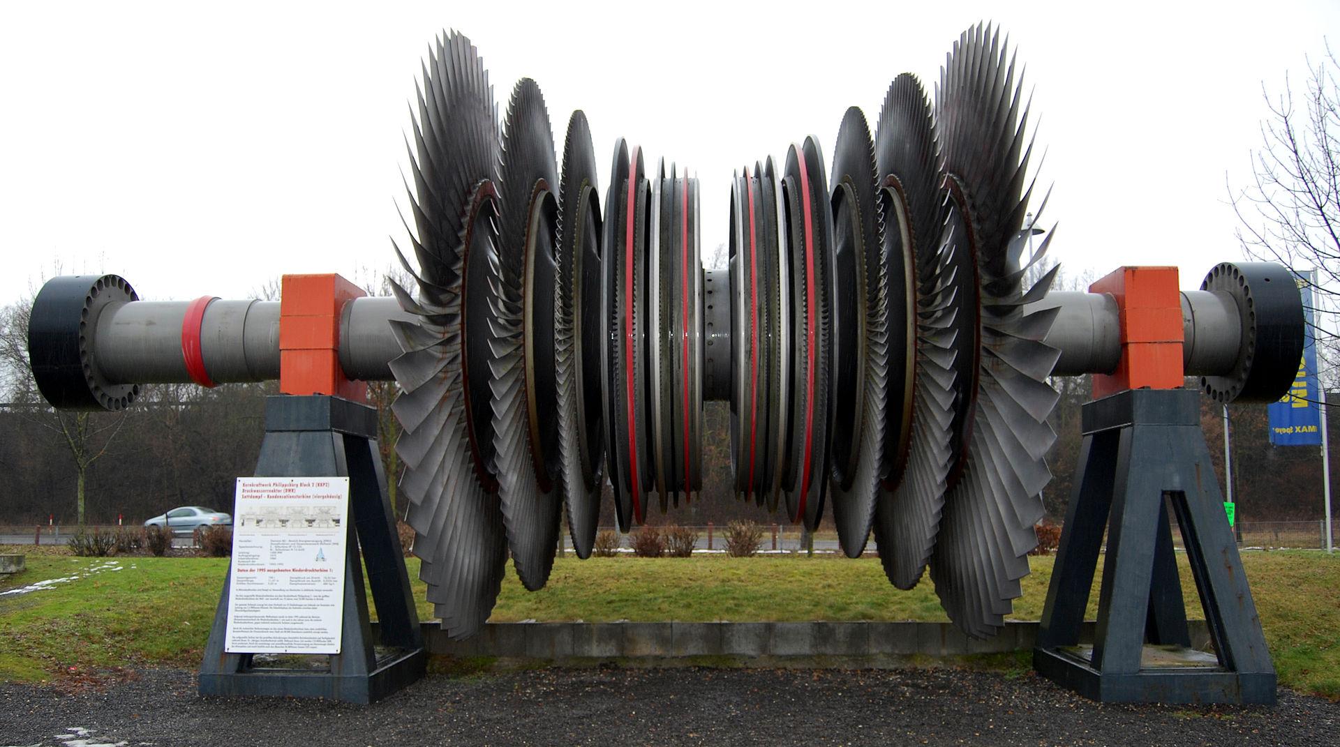 Ein Turbinenläufer aus einem Kernkraftwerk in Originalgröße - zu besichtigen im Technikmuseum Speyer (Bildlizenz: CC BY 3.0)