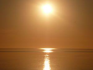 i-ec5214374518efd07a9c29359fc1156b-1057826_south_autralian_sun.jpg