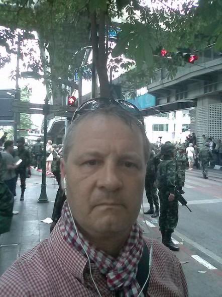 Vor Ort bei den Demonstrationen gegen den Armee-Coup