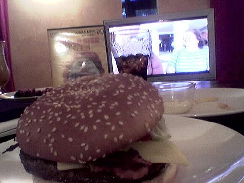 i-2a49ba89cf1edd9d2e694c0046ca0c5f-burger-thumb-500x375.jpg